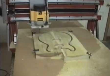 Router CNC Casero haciendo el cuerpo de una guitarra