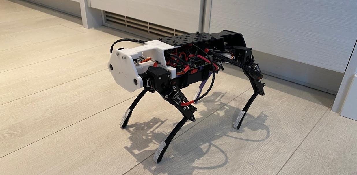 Yuki Mini: Robot cuadrúpedo impreso en 3D controlado con Raspberry Pi
