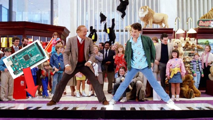 Cómo construir el mítico piano gigante de la película BIG