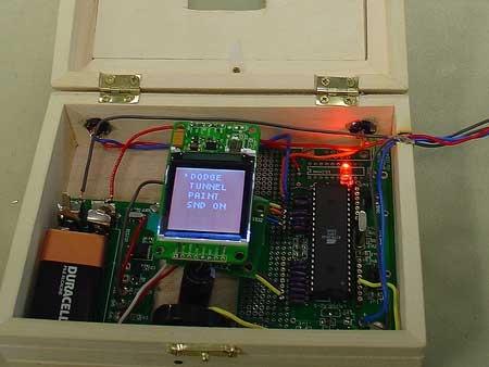 Weeboy Juego portatil casero con pantalla LCD y acelerómetro