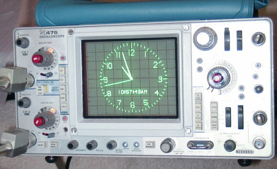 Reloj con AVR y un Oscilloscopio