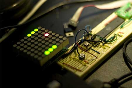 AcceLED Pong: Juego con matriz de LED y acelerómetro