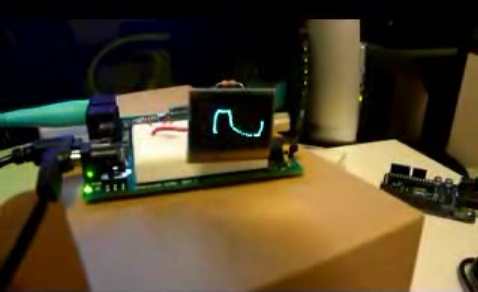 (Video) Chip Propeller controlando un raton y pantalla OLED