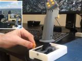 Joystick casero para Flight Simulator impreso en 3D y controlado con Arduino